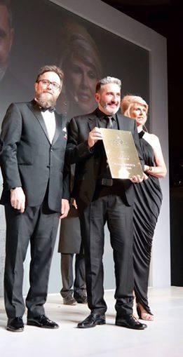 Gonzalo Zarauza recoge el Premio Intercoiffure