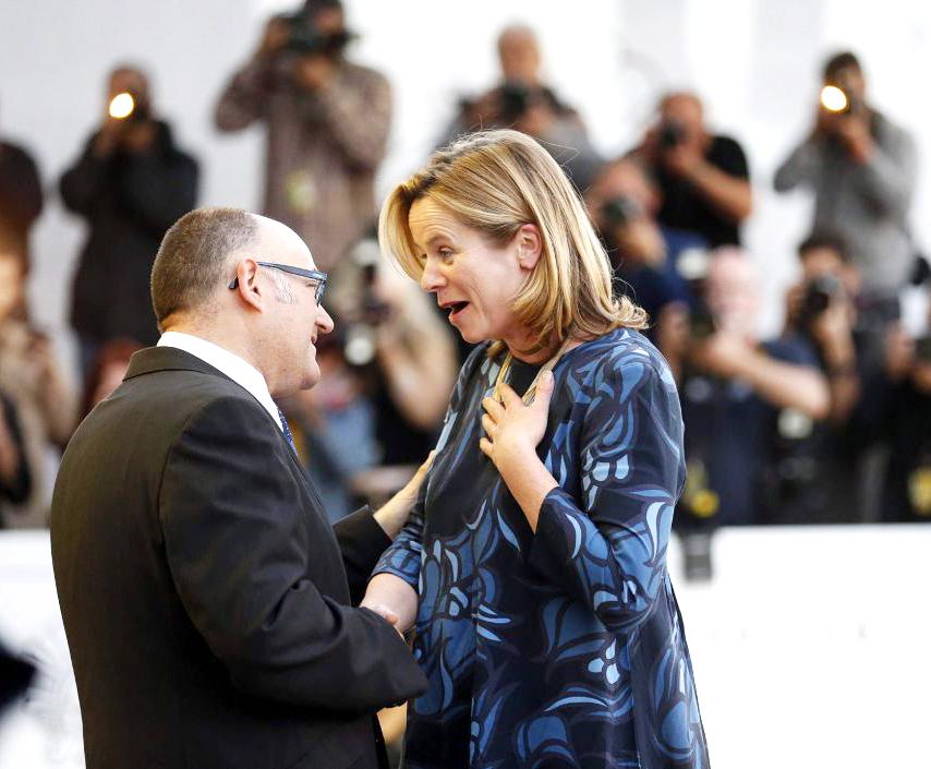 Emily Watson feliz en Festival Cine San Sebastián
