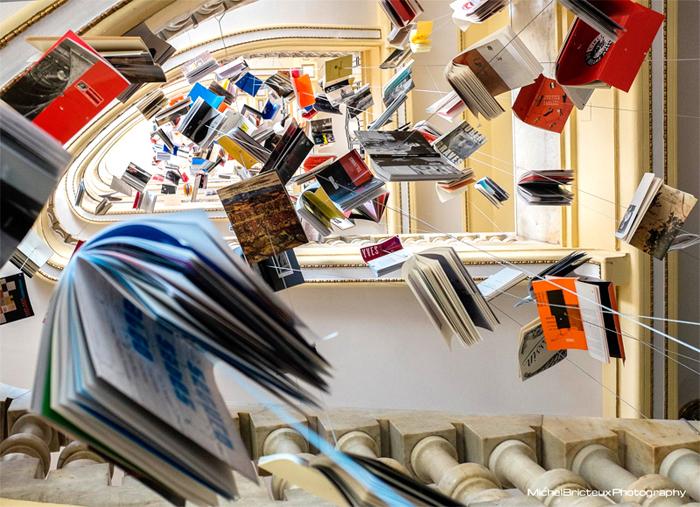 """La instalación """"biblioteca de Babel XII"""" en San Sebastián"""