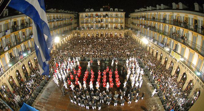 La Tamborrada regresa a San Sebastián fiel a su cita